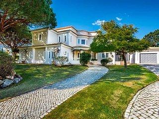 Quinta do Lago Villa Sleeps 8 with Pool and Air Con - 5585273