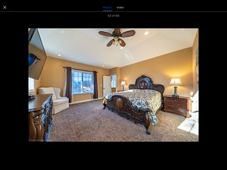 Wonderful family retreat 4 bedroom home with Amazing Pool in great neighborhood