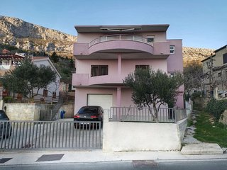 Two bedroom apartment Klis, Split (A-16670-a)