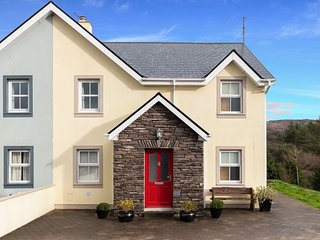 Salmons Leap Holiday Home, Sneem Village, Co. Kerry - 3 Bedrooms Sleeps 7 - Salm