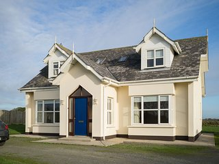 Seascapes, Ballyhealy Beach, Kilmore, Co.Wexford - 3 Bed - Sleeping 6 - Seascape