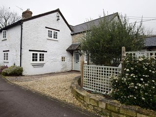 74181 Cottage situated in Weymouth (6.5mls NW)