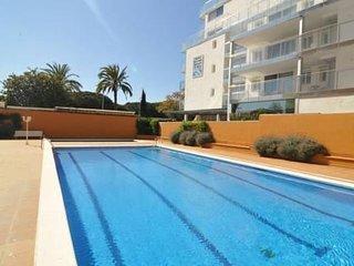 Malgrat de Mar, primera linea de mar con piscina, 4 dormitorios, 6-7 plazas