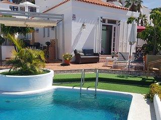 La Solandra. Con piscina privada en zona muy tranquila de Playa Las  Americas