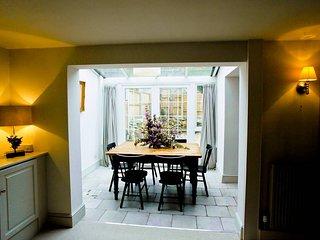 Charming Cheltenham cottage
