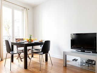 057. LOVELY 1BR NEXT TO PARC MONCEAU NEAR THE CHAMPS ELYSEES - FLAT 5