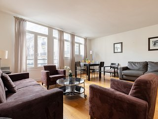 056. CHIC & LOVELY 1BR NEXT TO PARC MONCEAU - STEPS FROM ARC DE TRIOMPHE