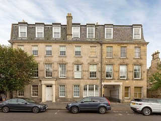 4 Southgait Hall, St Andrews - Fabulous town centre apartment
