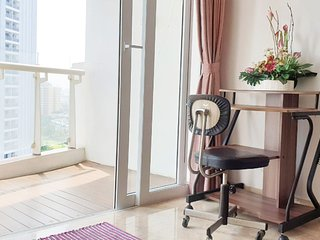 Spacious 200m Condo Near JIEXPO