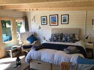 Modern Log Cabin near the New Forest