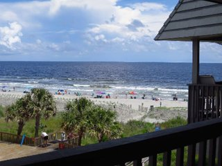 Seaside Condo With Stunning Ocean Views, Fishing Pier, Spacious Balcony, & Pool