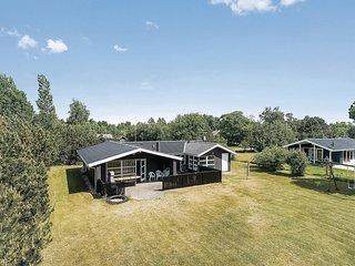 Amazing home in Dannemare w/ Sauna, WiFi and 4 Bedrooms