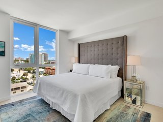 Top Fort Lauderdale new building, 9th floor hotel amenities, free parking for st