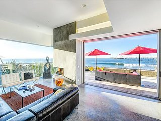 Stunning 3BR Luxury Oceanfront Home in w/ Private Pool