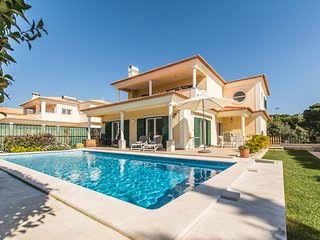4 bedroom Villa with Pool, Air Con and WiFi - 5779628