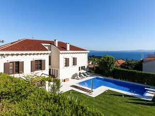 4 bedroom Villa with Pool, Air Con and WiFi - 5779629