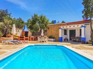 Stone clad 3 bed villa with private pool and A/C