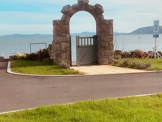 Holiday House Rental *Sea Front* - Rhos-on-Sea - NEW HOUSE