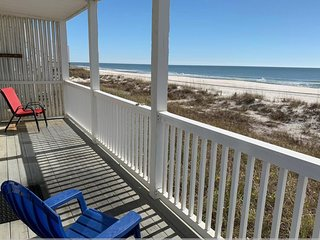 Sandcastle - Beautiful Beachfront Condo