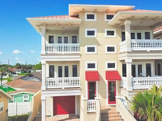 Sea's The Day - 5 Bedroom Home - Private Pool & Hot Tub!  West End - Elevator!!!