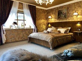 Golden GaPa Luxury Apartment 26