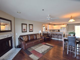4BR/3BA - On The Main Channel- 2 King Masters