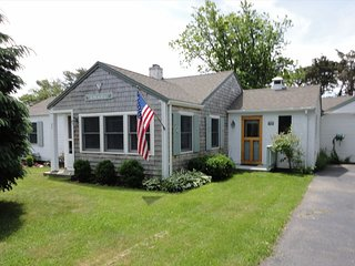 #528: Great location, walk to Mill Pond, short drive to Nauset Beach!