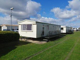 8 berth 3 bedroomed caravan on golden palm resort