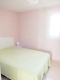 Chambre lit couchage en 140 pour 2 personnes