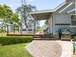 Hollow Tree Farm - Mount Lofty, Peace and Quiet on 30 Acres, 5 minutes from CBD