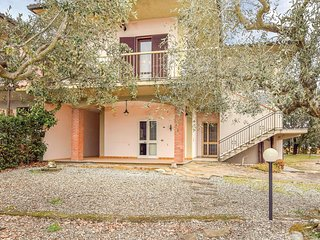 Beautiful apartment in Gavorrano w/ Outdoor swimming pool, WiFi and 3 Bedrooms