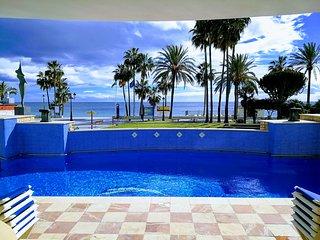 Apartamento de lujo a pie de playa en San Pedro Alcantara