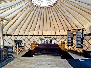 Cornish Yurt with Hot Tub (2)