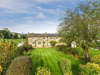 Available For Easter due to Cancellation - Beautiful Peak District Farm Location