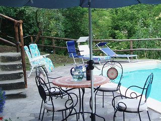Villa Fivizzano - sleeps 8 private pool near village