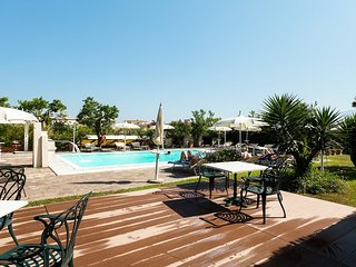 Casa Giordana apartment with shared pool and garden furniture Sorrento holiday
