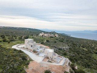 Vorino Luxury Villas, Aloni