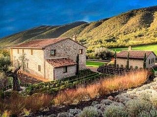 Palazzo Guglielmi Villa Sleeps 12 with Pool Air Con and WiFi - 5763163