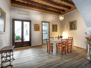 CASA NOU 1786 ★SPACIOUS TOWN HOUSE ★SAFE ENVIORMENT