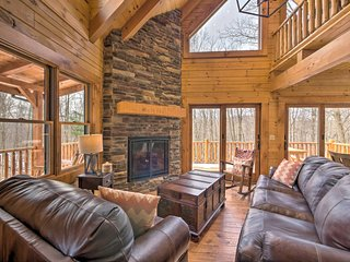 NEW! Family-Friendly Warsaw Cabin w/Furnished Deck