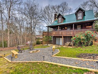 NEW! Blairsville Cabin w/Deck-Mins to Lake Nottely