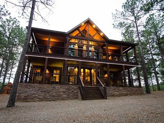 Geronimo Lodge - (6 Bdrm) (High Lux)(HOT TUB)