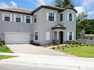 Summertime Special-3 Bedroom Home near Disney