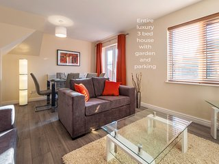 Cheshire House - Luxury 3 Bed House Sleeps 8 - The Heart Of Cheshire, Winsford