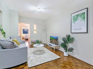 Parramatta 2 Bed Apt withBackyard Close to Cumberland Hospital NPA005