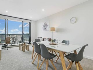 'Mid-long term available Inquire' Parramatta CBD Luxury 2 Bed APT + Parking