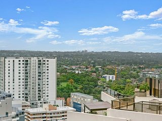 Parramatta CBD Luxury 2 Bed APT + Parking NPA011