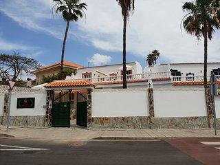 B&B Hostal 'CASA DOMVS' Guest House