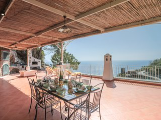 Villa Ma.di an elegant villa at only few steps away the bay of Marina di Praia