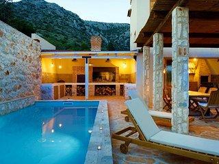 Sea view villa with pool near the beach Hvar